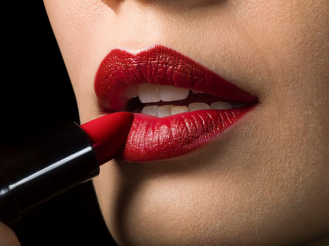 Red alert : The Secret History of Lipstick
